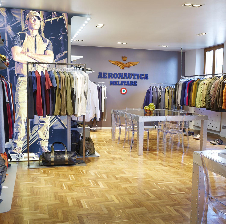 f6b8709e0c9f Inaugurazione nuovo showroom a Milano